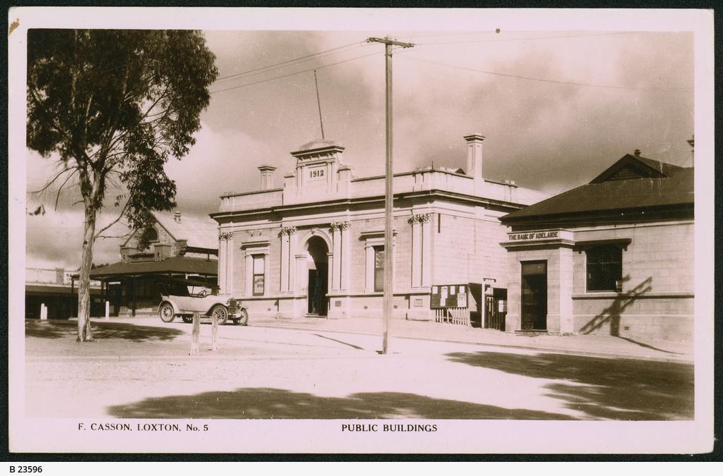 Public buildings, Loxton