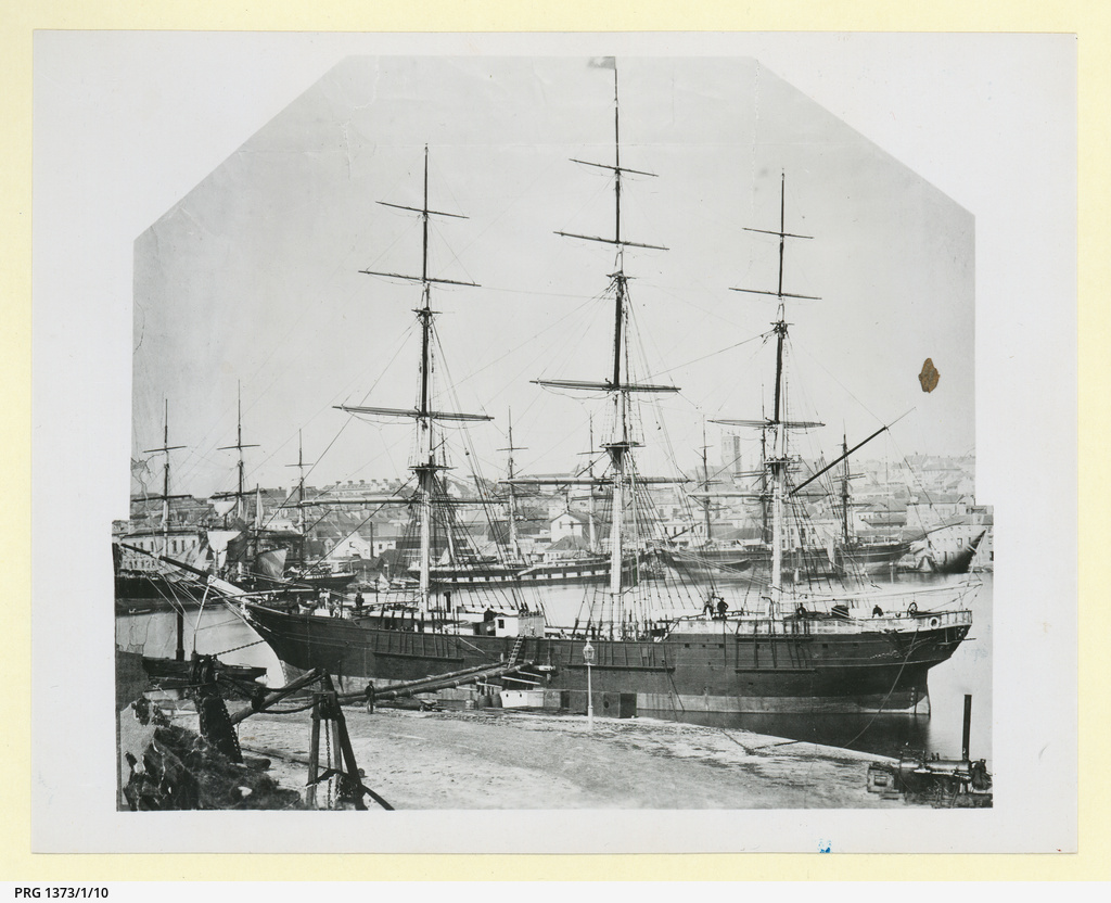 the man who went down with his ship fleetwood hugh