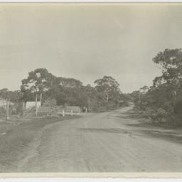 Cliff Street, Blackwood, looking west to Wittunga