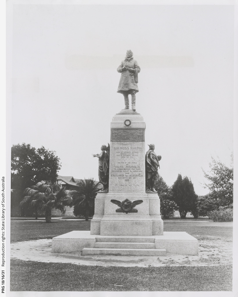 Monument to Ross Smith.
