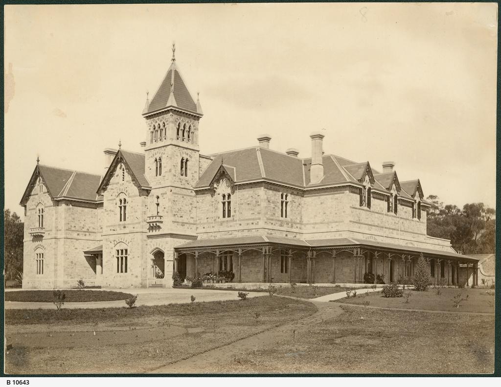 Torrens Park Residence