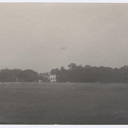 Vickers Vimy approaching landing ground at Calcutta