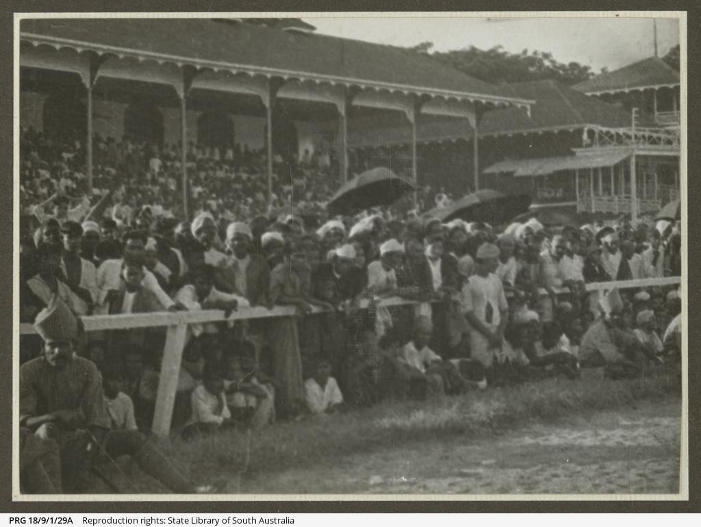 Spectators at Calcutta.