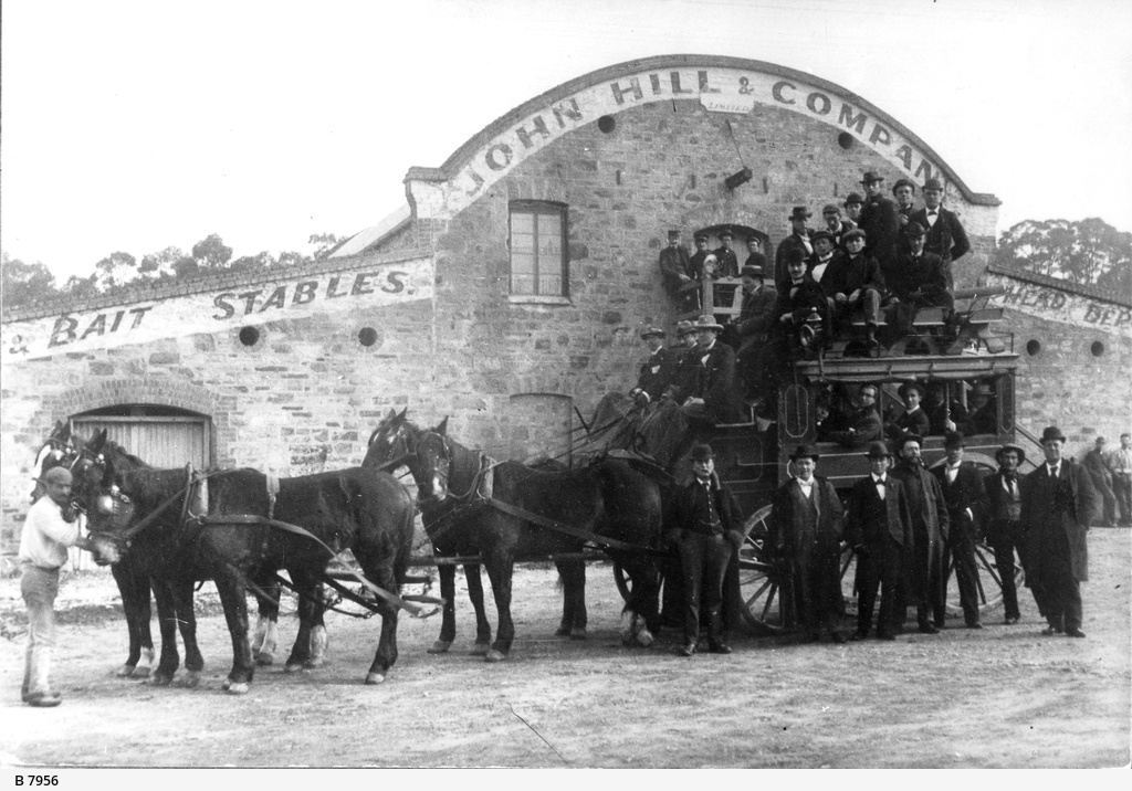 Hill & Co.Coach at Stirling
