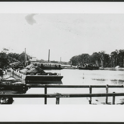 Lock construction, Paringa