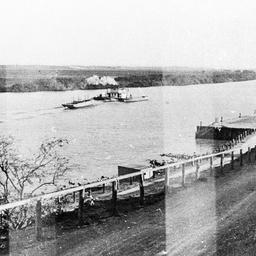 River scene at Tailem Bend in 1927