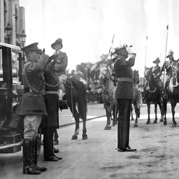Sir Tom Bridges arriving at Parliament House, Adelaide