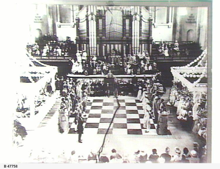 Human chess game