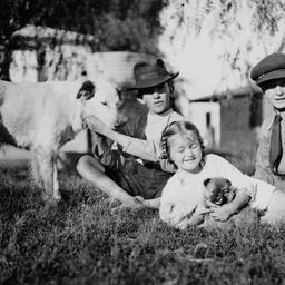 Children at Oodnadatta