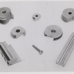 Bar and circular type form tools.