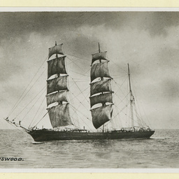 The 'Ravenswood' under sail