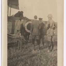 Vickers Vimy and crew at Delhi