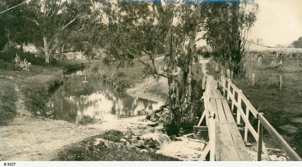Bowley's Bridge, Clare