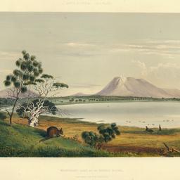 Waungerri Lake and the Marble Range