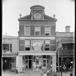 Rundle Street, east of Charles Street