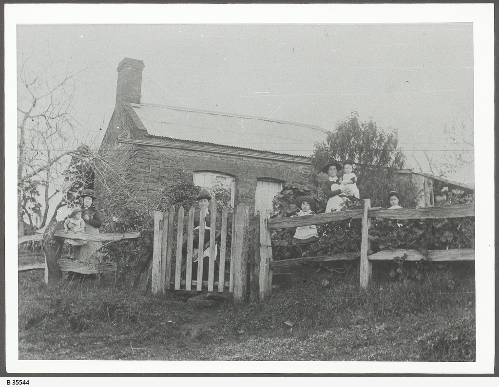 Dwelling, Clarendon