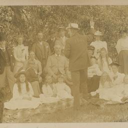 Robert Davenport family album