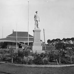 Soldiers Memorial Moonta