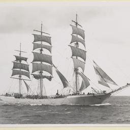 'Duquesne' steel ship