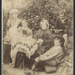 White family at 'New Glenelg'