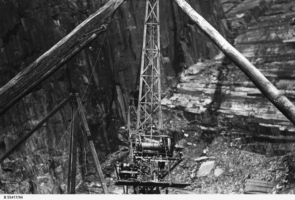 Crane at Willunga mine