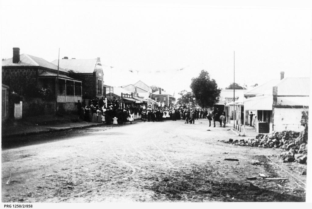 Procession in Main Street Mannum