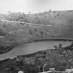 Mount Gambier and District : Leg of Mutton Lake