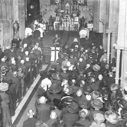 The Governor and members of the legal profession attending a church service