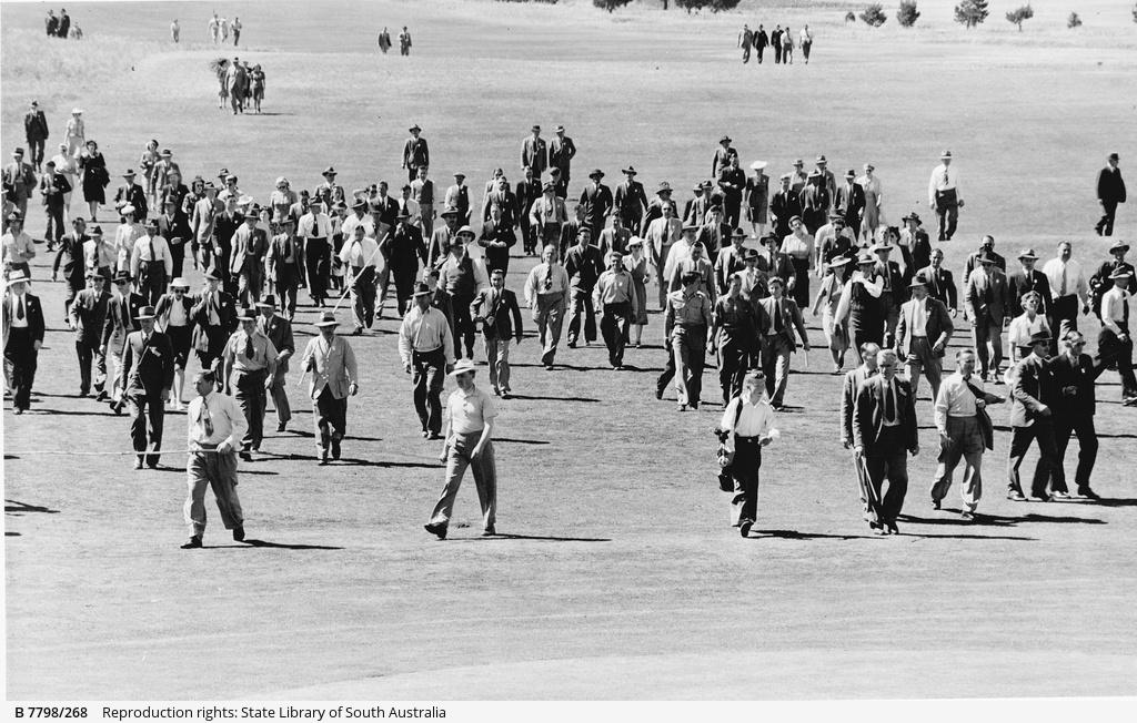 Crowd at Kooyonga Golf Course