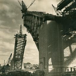 Sydney Harbour Bridge riveters at work