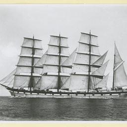 The 'Loch Nevis' under sail