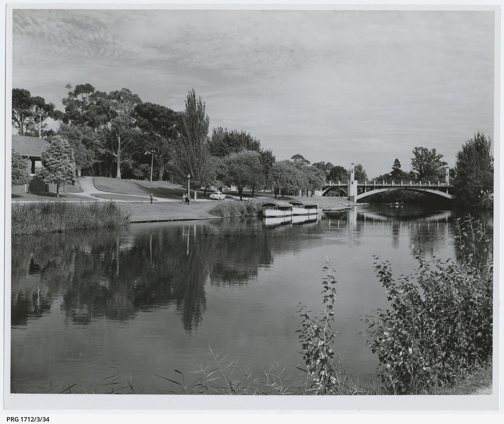 River Torrens (Karra wirra-parri) near the City Bridge