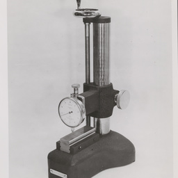 Comparator stand.