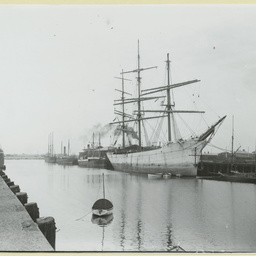 Shipping in the Portland Canal