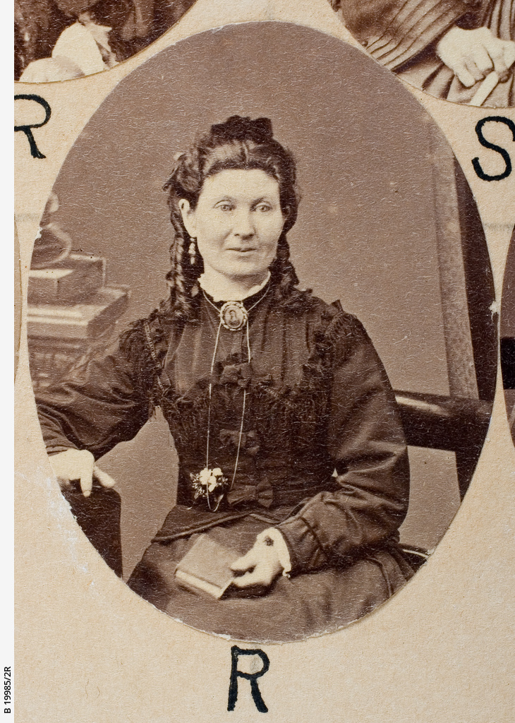 Group of [women] Old Colonists : Whitfield