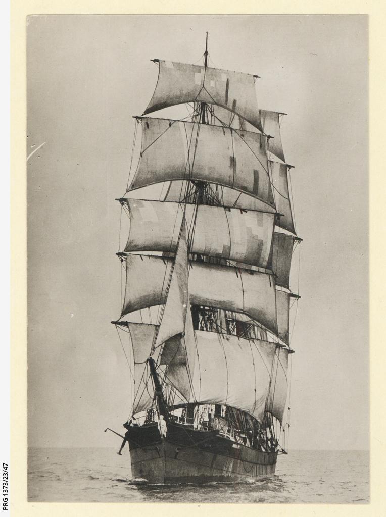 The 'Whitepine' under sail