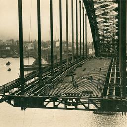 Sydney Harbour Bridge floor in construction