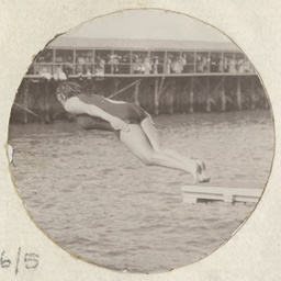 Annette Kellerman demonstrating her diving skills at Glenelg baths