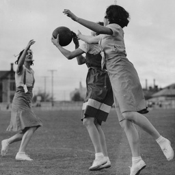Girls' basketball, 1938