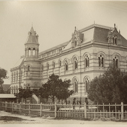 Adelaide and the Adelaide Hills: album of views