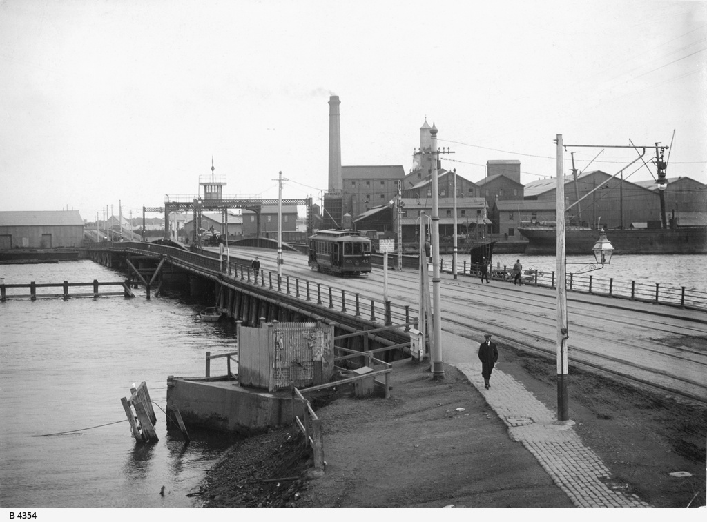 Jervois Bridge, Port Adelaide