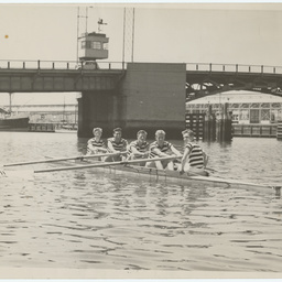 Rowers on the Port River