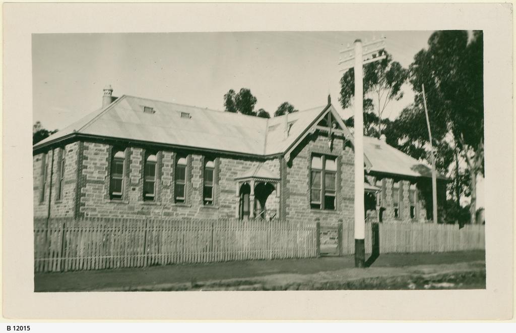 Public school, Clare