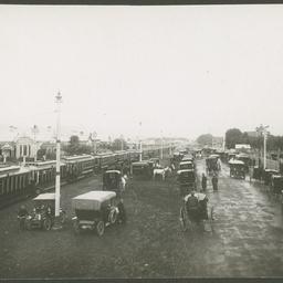 Vehicles on Fullarton Road