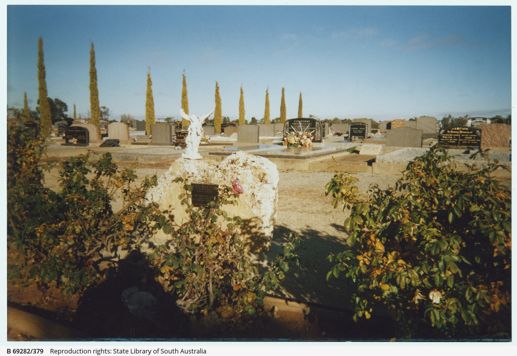 Cemetery at Waikerie