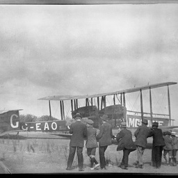 Spectators admiring the Vickers Vimy G-EAOU.