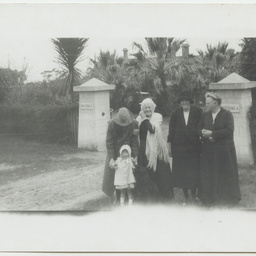 Four generations by the Wittunga farm front gate