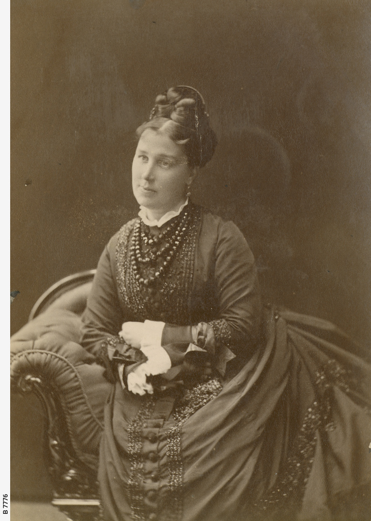 Mrs Robert Barr Smith
