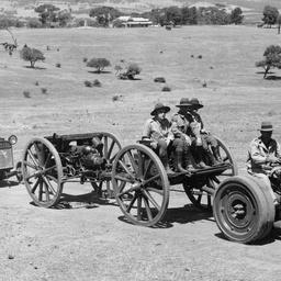 Mechanised artillery battery