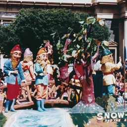 John Martin's Christmas pageant : Snow White and the Seven Dwarfs
